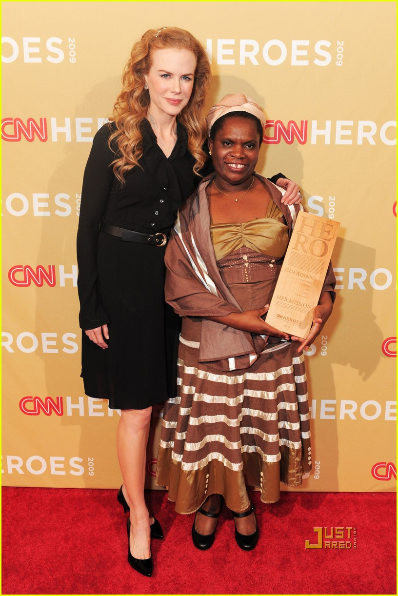 Actress Nicole Kidman and CNN Hero Betty Makoni attend the 2009 CNN Heroes Awards held at The Kodak Theatre on November 21, 2009  in Hollywood, California. 19284_006_JS_0093.JPG